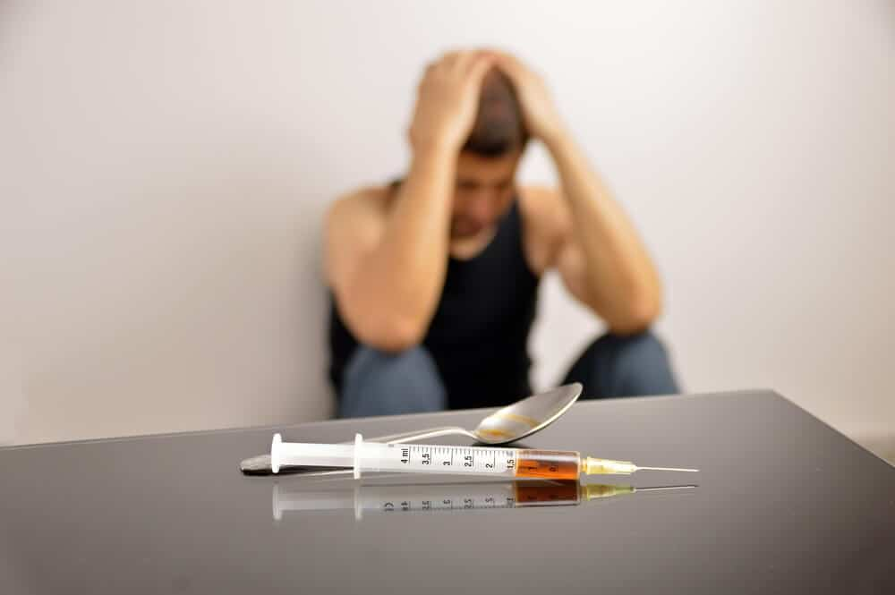 10 Signs of Heroin Addiction