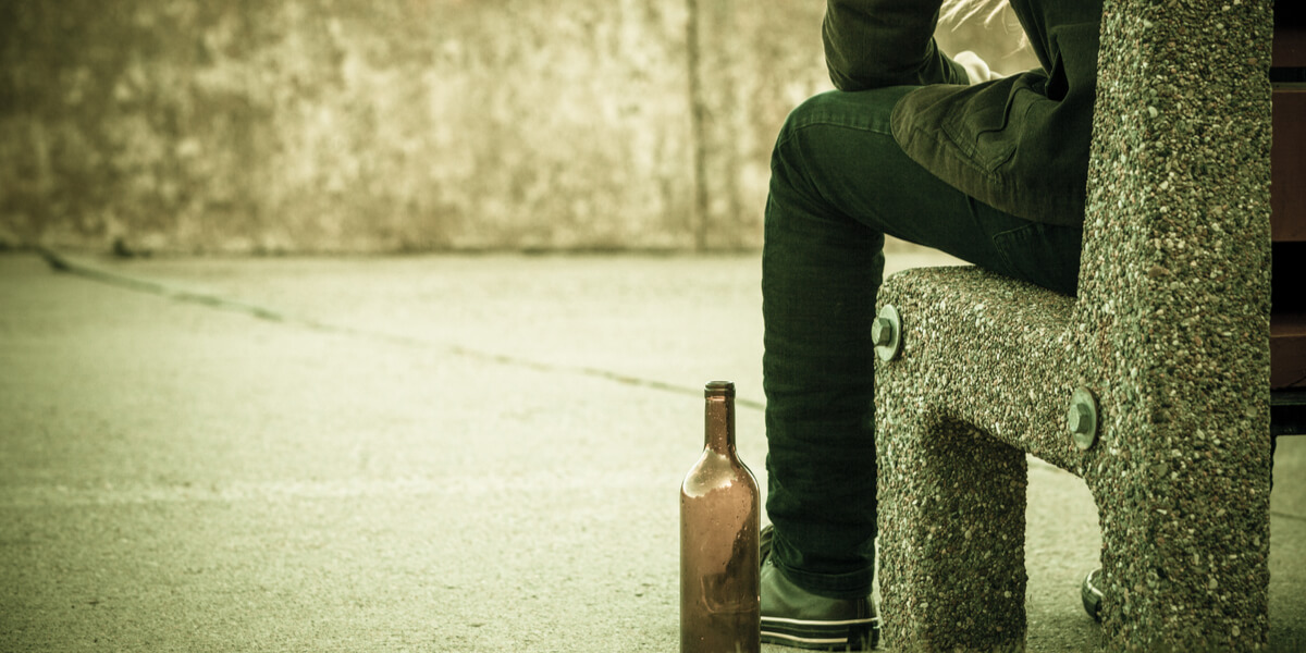 How to Identify Alcohol Poisoning Symptoms