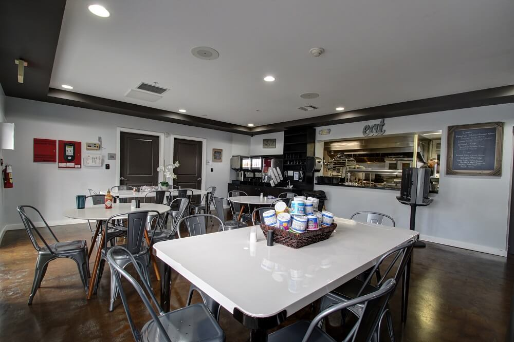 Gallery-Luxury Rehab for Tampa Residents